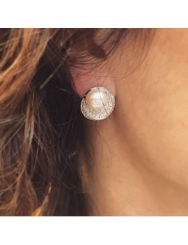 Orecchini Damiani perla e diamanti indossati